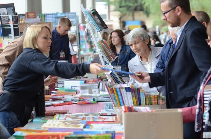 У книгарнях тепер офіційно має бути не менше 50% книжок українською