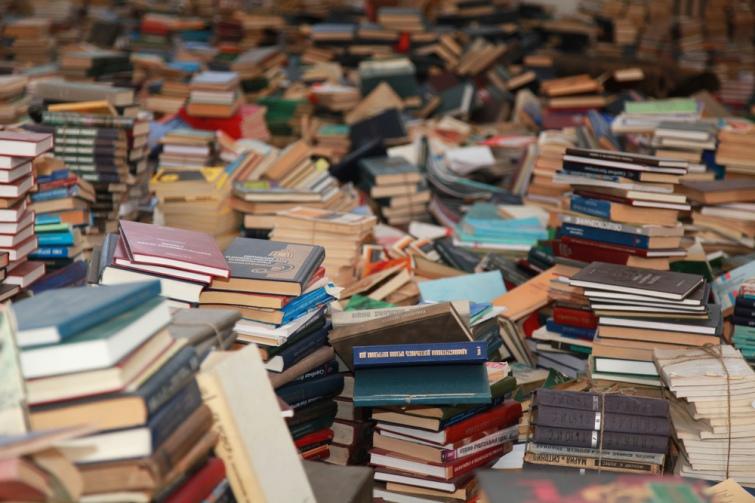 У 2020-му в Україну офіційно дозволили ввозити ще майже 3 тисячі назв російських книжок