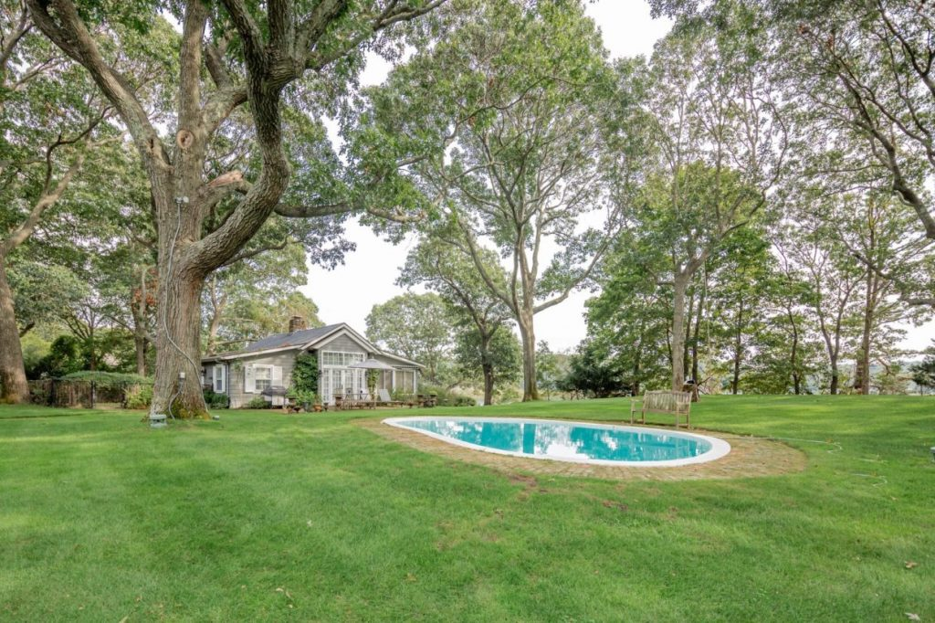 Будинок Джона Стейнбека продають за $18 млн