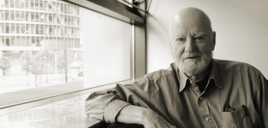 У США помер поет та засновник культової книгарні City Lights Лоуренс Ферлінгетті