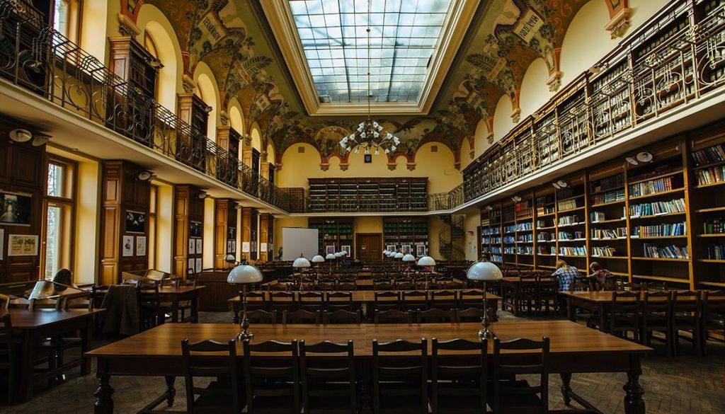 В архівах львівської бібліотеки знайшли старовинний рукопис ХVII століття
