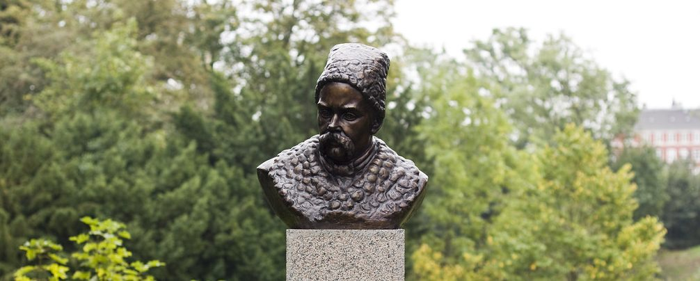 У столиці Данії вандали розмалювали пам'ятник Тарасові Шевченку
